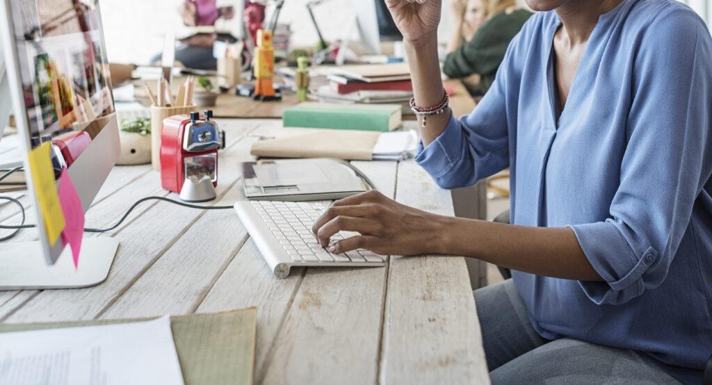 Desk employee using employee platform